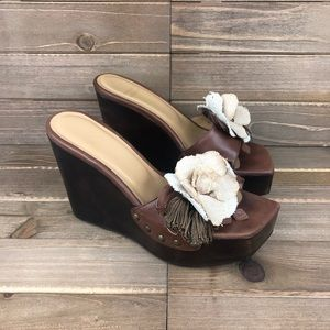 Stuart Weitzman Wooden Heel Wedge Flower 6